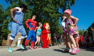 Aktiviteter på en hyggelig og børnevenlig plads