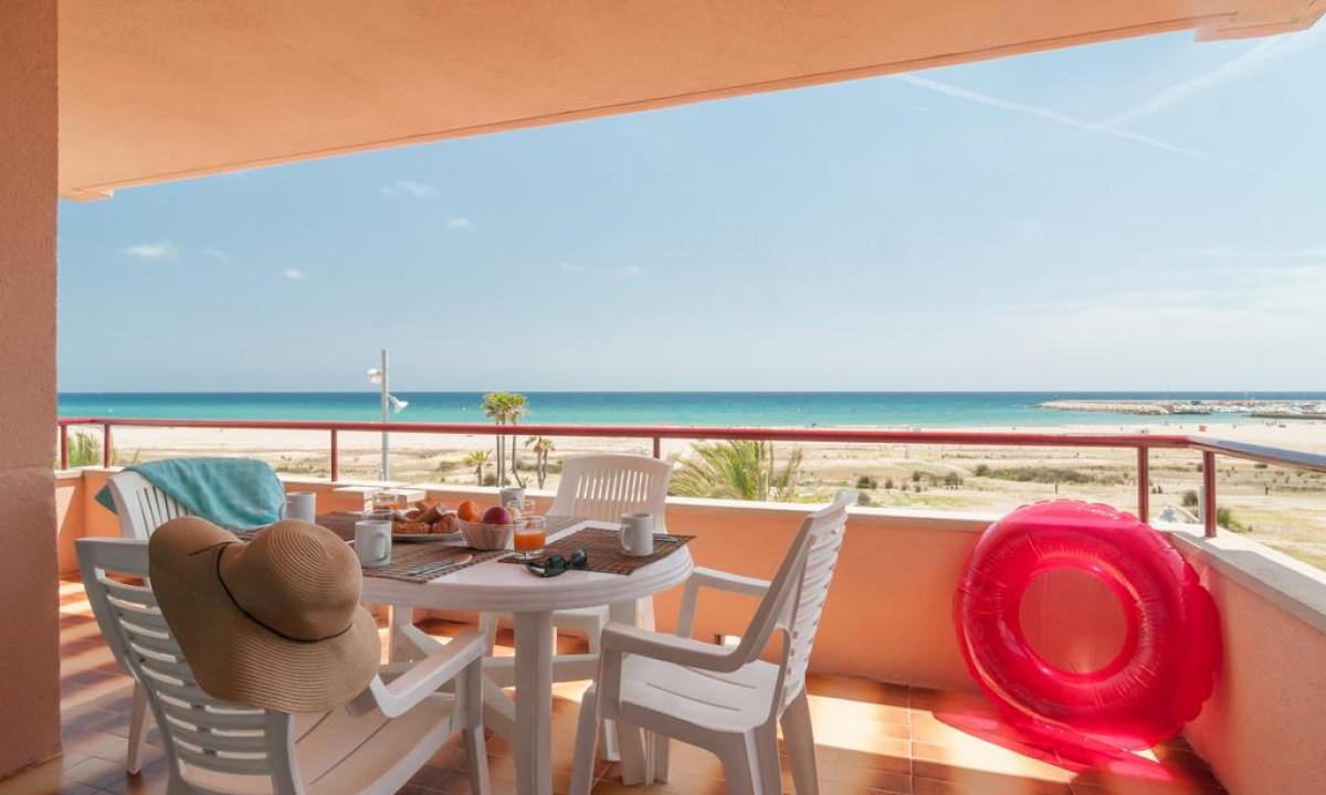 Terrasse på feriestedet