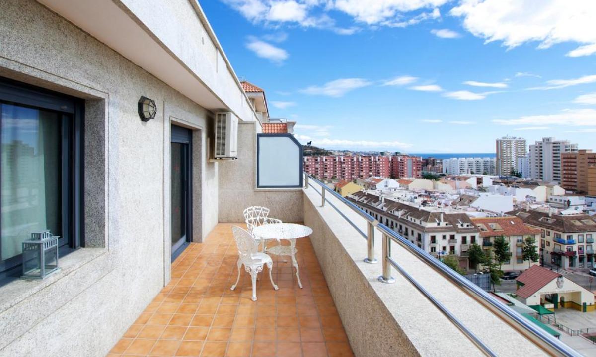 Smuk udsigt til Fuengirola by fra Apartamentos Nuriasol