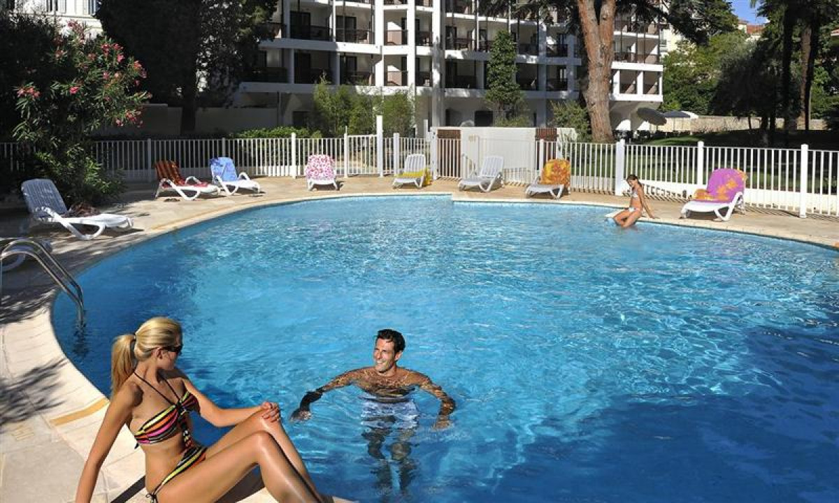 Resideal Cannes - Udendoers swimmingpool
