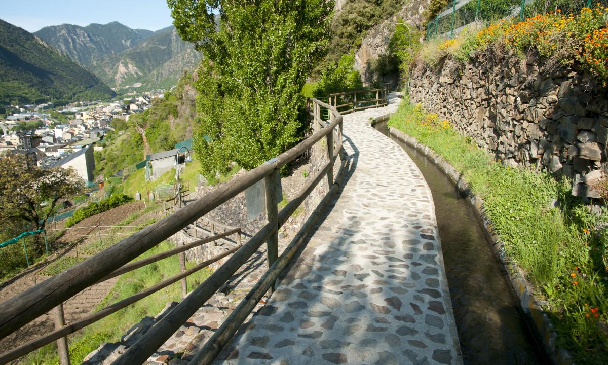 Lille sti i Andora by