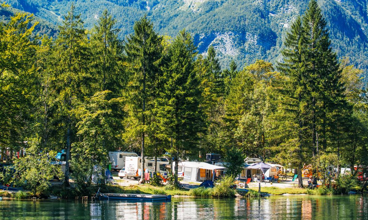 Bohinj - Camping ved søen i Triglav Nationalpark
