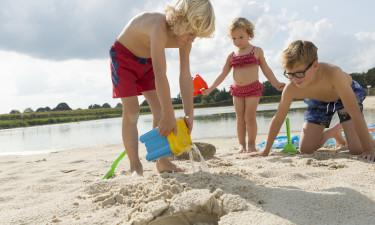 Indendørs og udendørs bademuligheder samt wellness