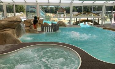 Dejlig pool og aktiviteter