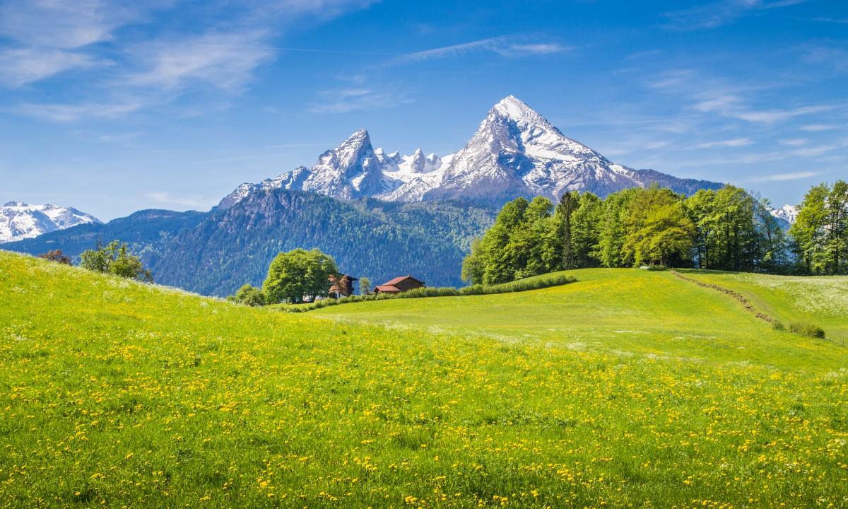 Den bjergrige natur i Tyskland