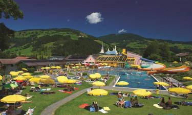 Inkl. stort badeland og lækkert saunalandskab