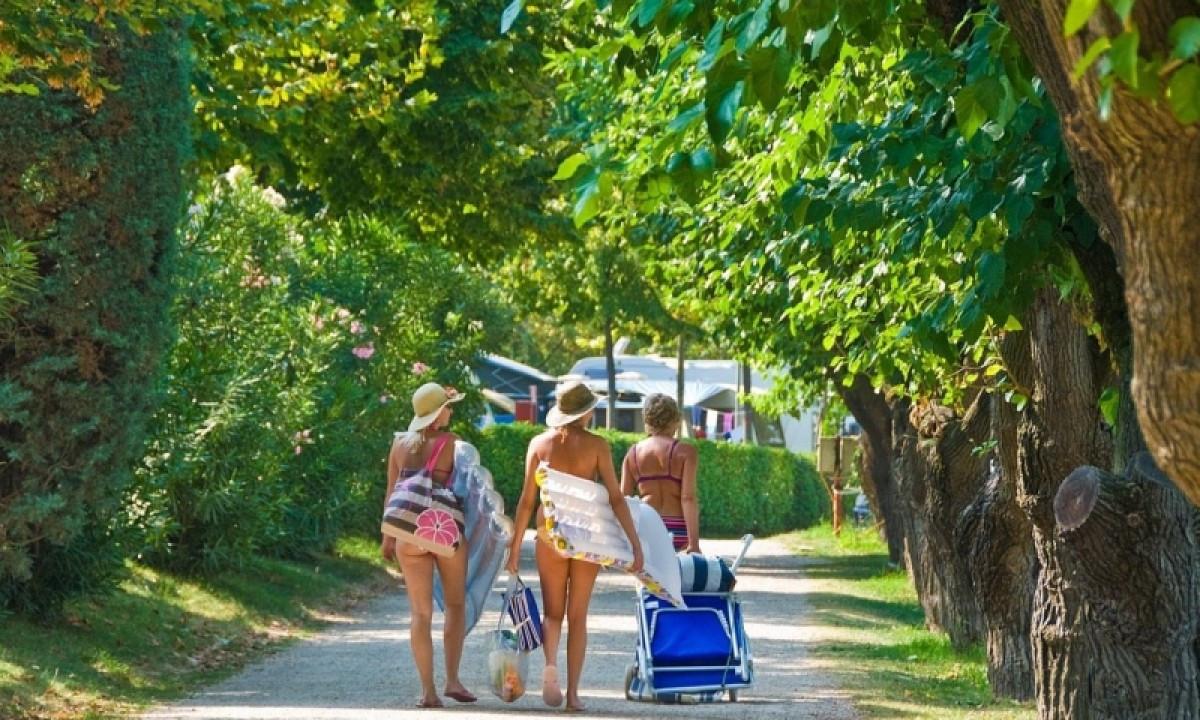 Camping - På vej til badesø