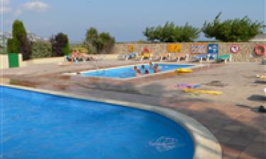 Skønne swimmingpools og adgang til strand