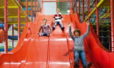 Glæd børnene med utallige timers leg på ferien