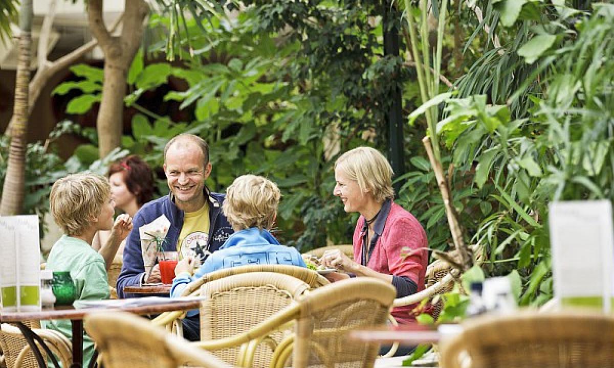 Zandvoort - Familie på restaurant