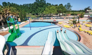 Pool Camping Le Soleil in Languedoc