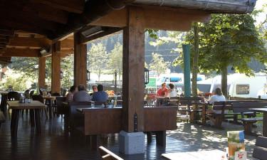 Restaurant med overdækket terrasse