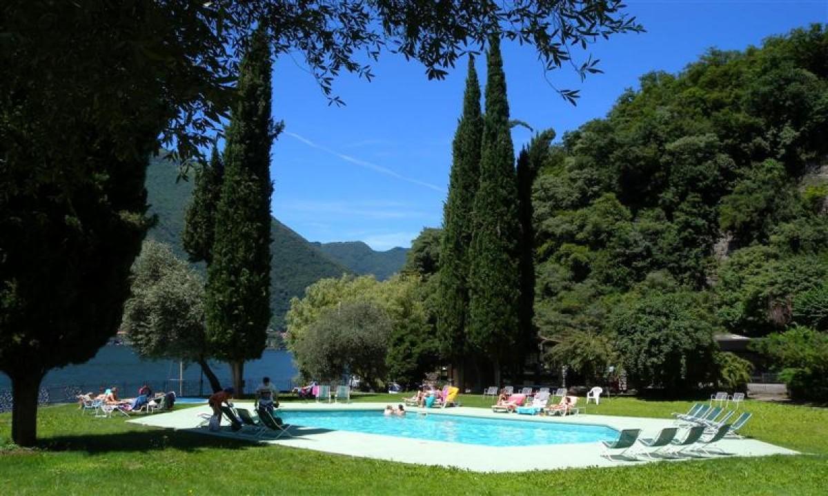 La Cava i Italien - Udendoers swimmingpool