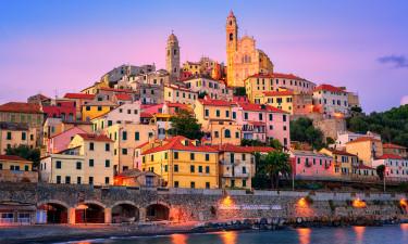 Kystbyen Cervo paa den Italienske Riviera