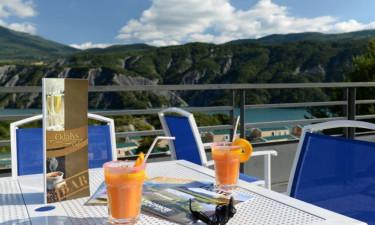 Restaurant Camping Les Berges du Lac in den französischen Alpen