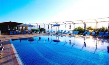 Gocce di Capri - Poolområdet til ferielejlighederne