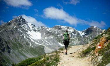 En aktiv ferie med vandring og cykling i bjergene