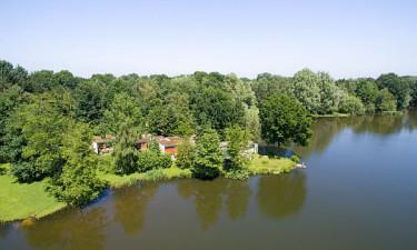 De Huttenheugte - Badeland ved grønne omgivelser i Holland