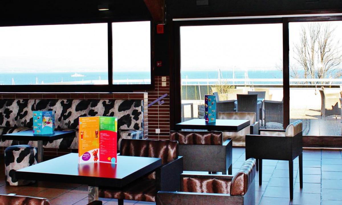 Evian bar