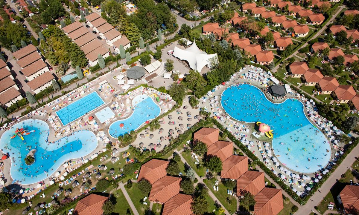 Bella Italia - Oversigt over poolområdet