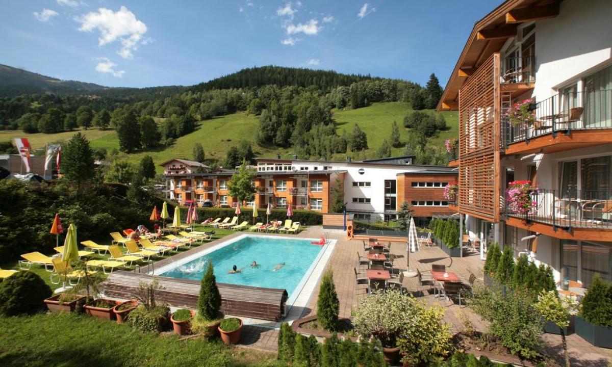 Hotel der Waldhof i Salzburgerland i Oestrig - Udendoers pool