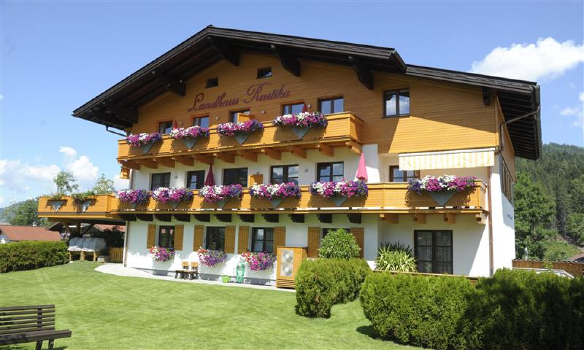 Landhaus Rustika - Hyggeligt hus om sommeren