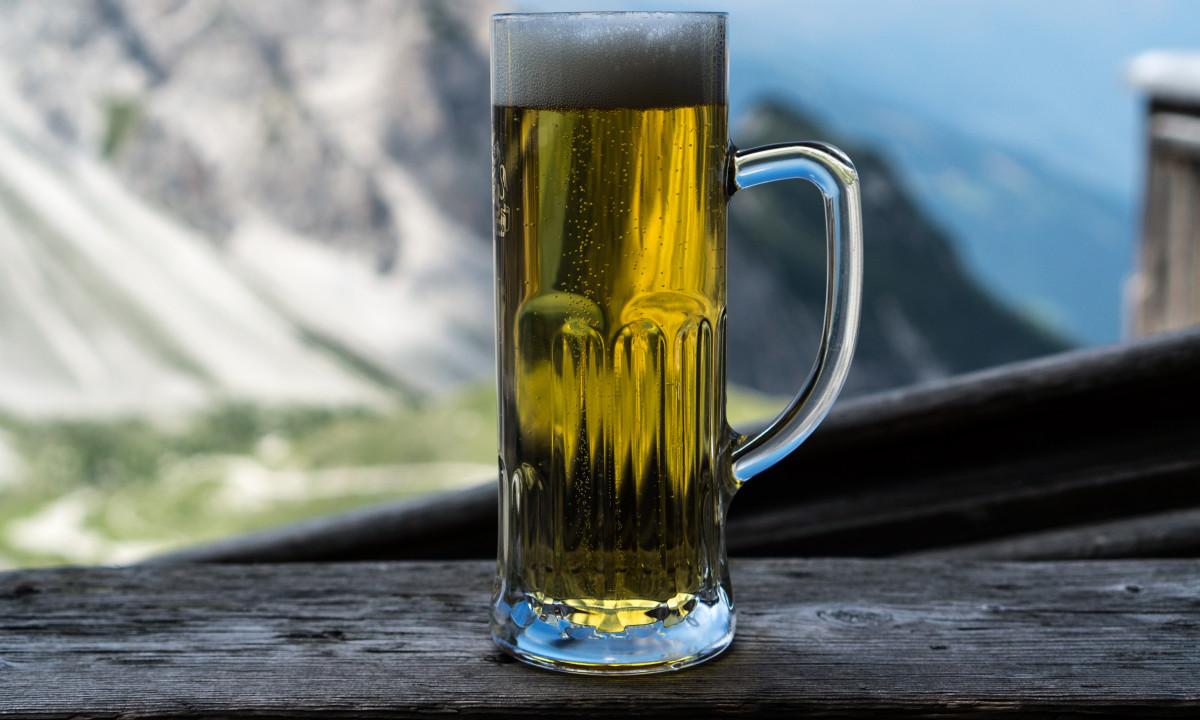 Drikkelse - En kold øl oppe i bjergene