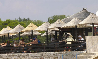 Zelena Laguna camping