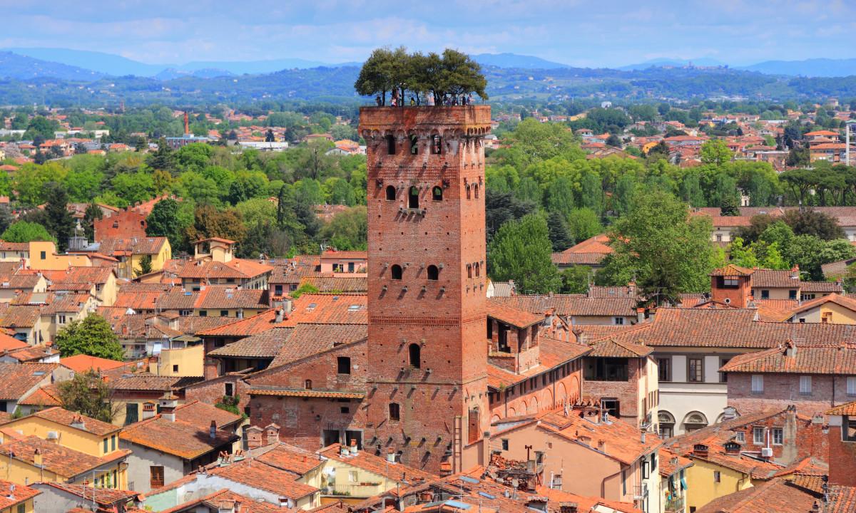 Toscana - Smukke røde tage over regionen