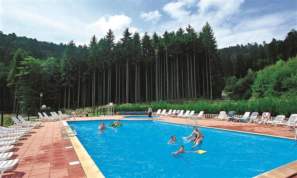 Saales - Udendoers swimmingpool