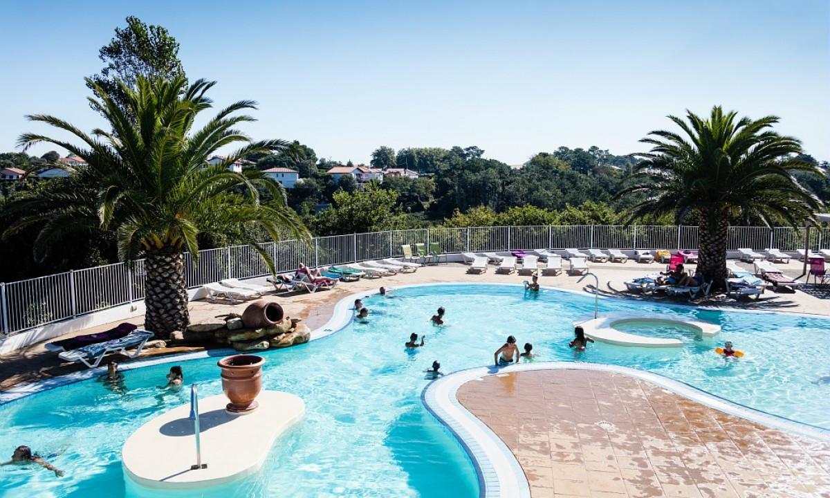 Pladsens indbydende poolområde
