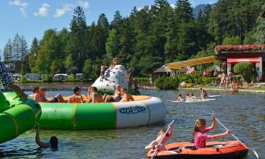 Børnene leger på søen