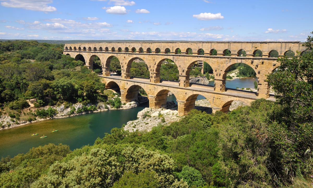 Flotte broer over Le Gardon floden