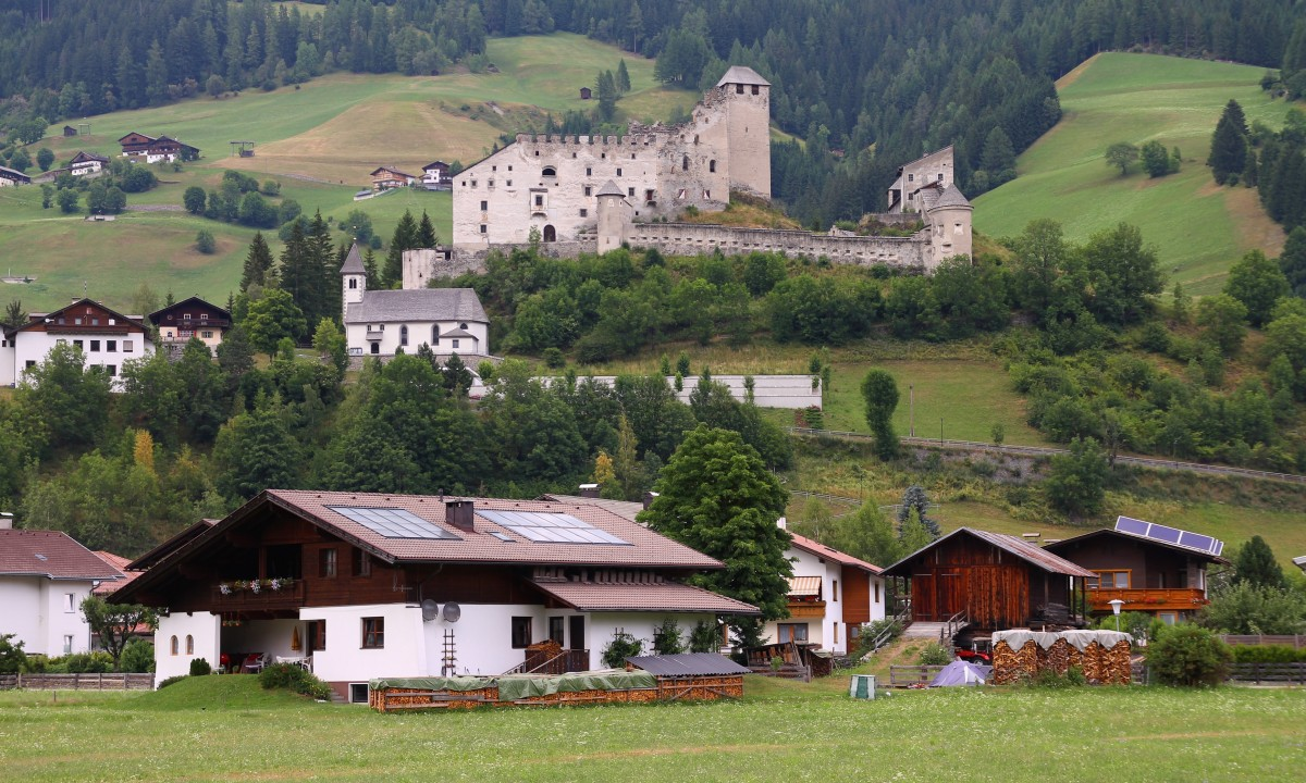 Heinfels Castle i Oest Tyrol, Oestrig