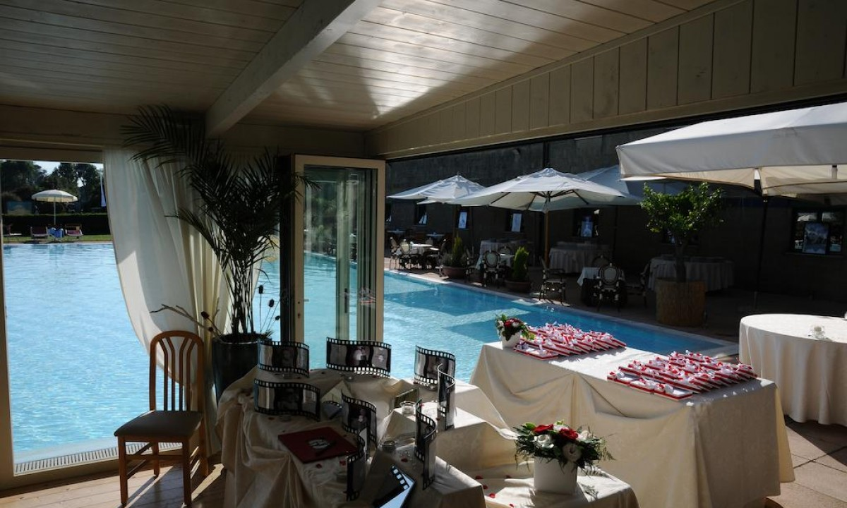 Restaurant og bar paa Cosmopolitan Resort