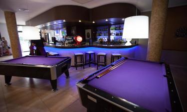 Billiardborde og bar paa Miami Park