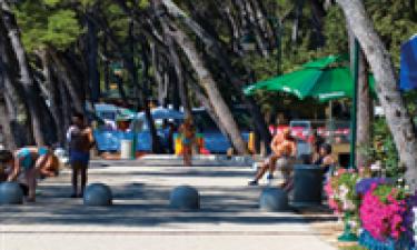 Indkøbsmuligheder på Camping Park Soline