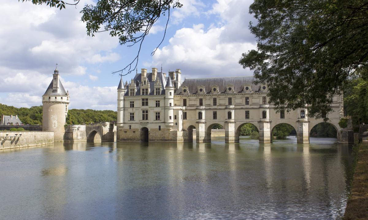 Oplev flotte bygningsvaerker og historie i Loire