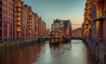 Elben løber gennem byen