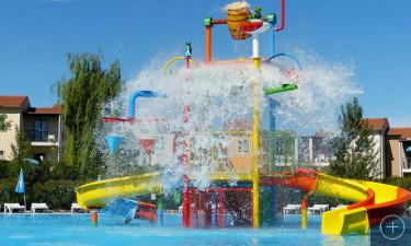 Glæd jer til det store poolområde med hele 3 pools