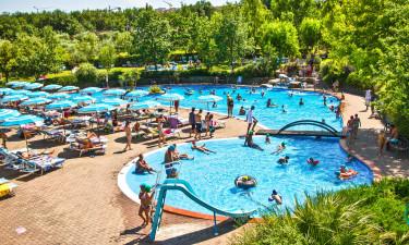 Indbydende poolkompleks