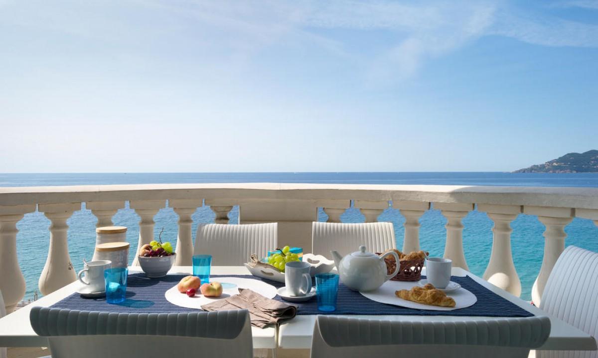 Spis mad hjemme i ferielejligheden