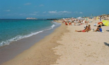 Smuk strand og bred vifte af faciliteter