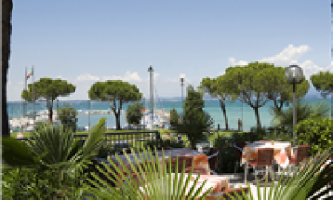 Skøn panoramarestaurant med udsigt over Gardasøen