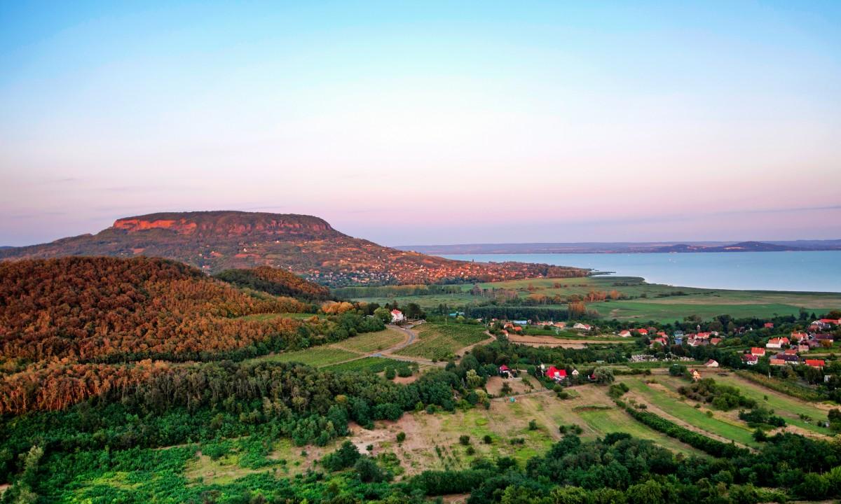 Landskabet omkring Balatonsoeen