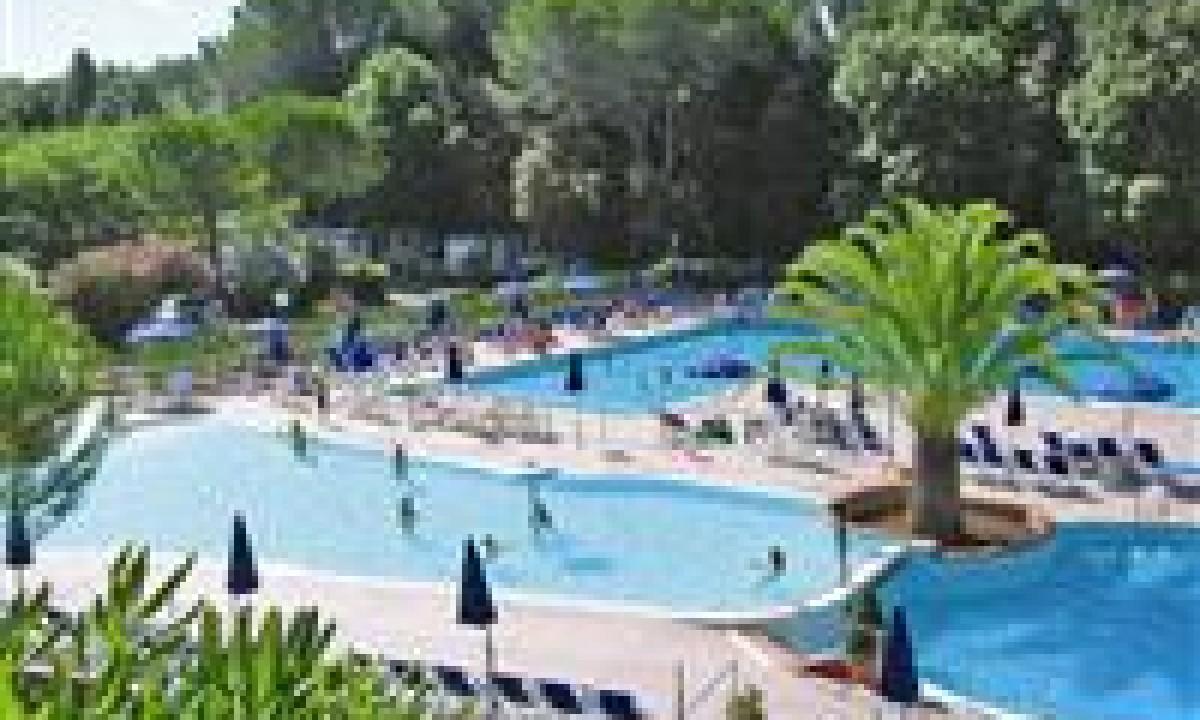 Valle Gaia - poolområde på feriestedet