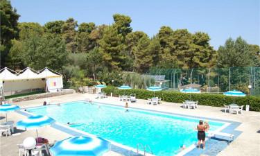 Dejligt poolområde og pragtfuld strand