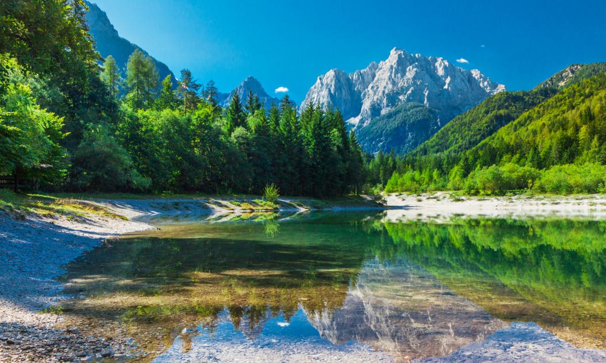 Triglav Nationalpark - Smuk grøn dal i bjergene