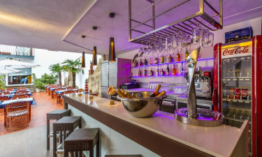 Cafébar paa Hotel Neptuno / Neptuno Apartments