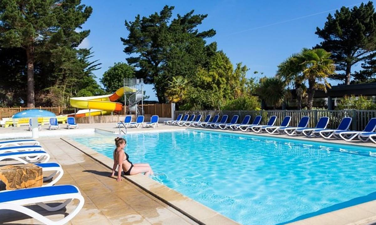 Afslapning i poolområdet